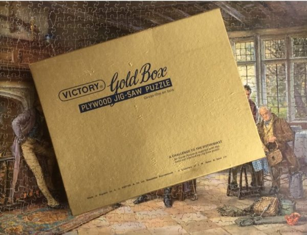 'A Tall Story' Victory Gold Box Wooden Jigsaw Puzzle 800 pieces