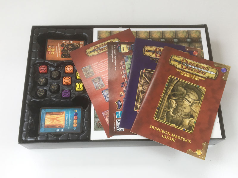 'Dungeons & Dragons' Fantasy Adventure board game 2003 contents
