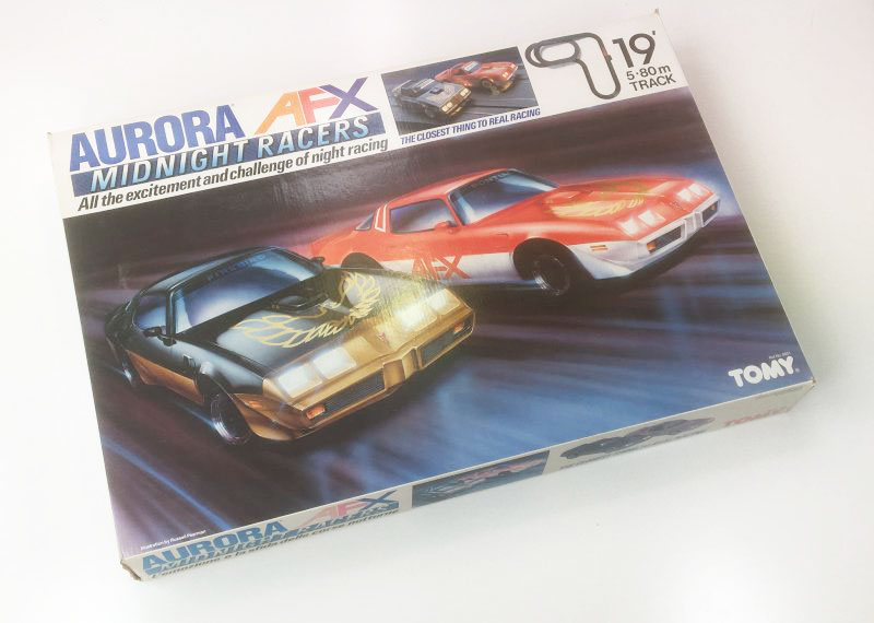 Vintage AURORA AFX MIDNIGHT RACERS Slot Car Racing Set box 1990s