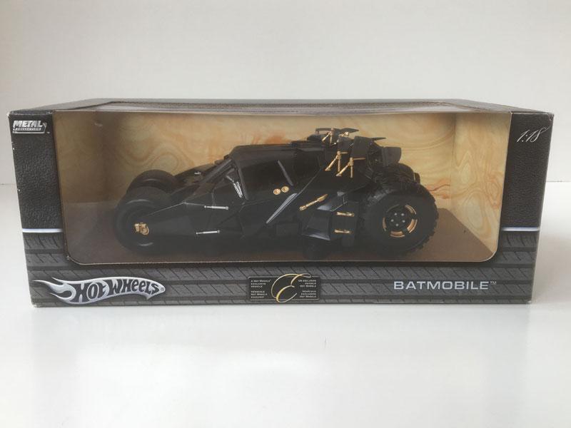 BATMAN 'DARK KNIGHT' BATMOBILE 1:18 DIECAST MODEL Hot Wheels