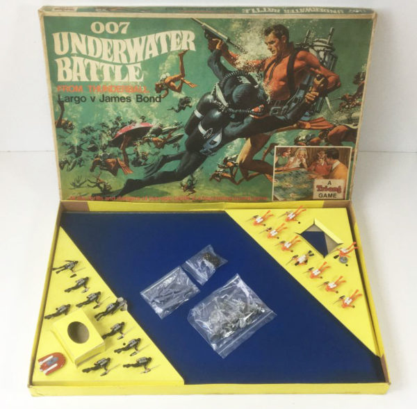 JAMES BOND '007 UNDERWATER BATTLE' Board Game Triang 1960's