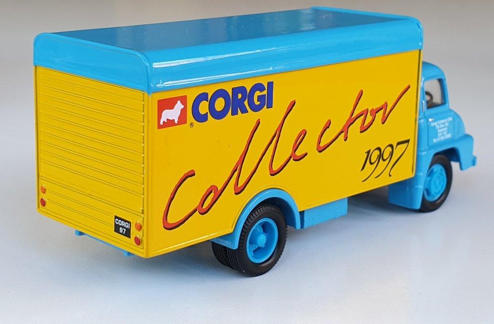 Corgi Classics 30305 VINTAGE THAMES TRADER BOX VAN Collector Club 1997
