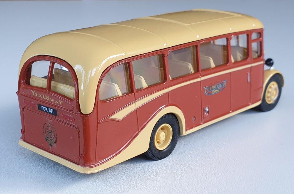 Corgi Classics 97063 Vintage YELLOWAY BUS SET (Bedford OB Coach)