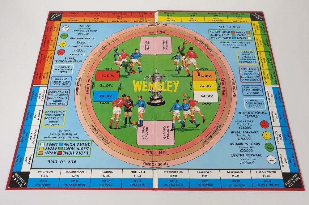 Vintage WEMBLEY board game (Ariel) 1960s