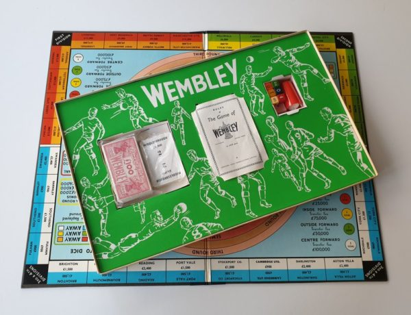 Wembley F.A. Cup board game 1960's (Ariel)