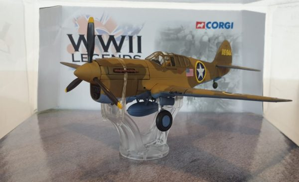 Corgi Aviation AA35201 WWII Legends P-40F WARHAWK Tunisia
