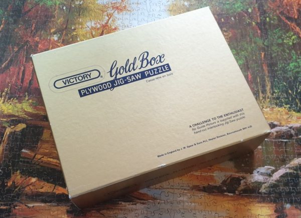 AUTUMN ANGLER Wooden Jigsaw Puzzle Victory Gold Box 2000 pieces
