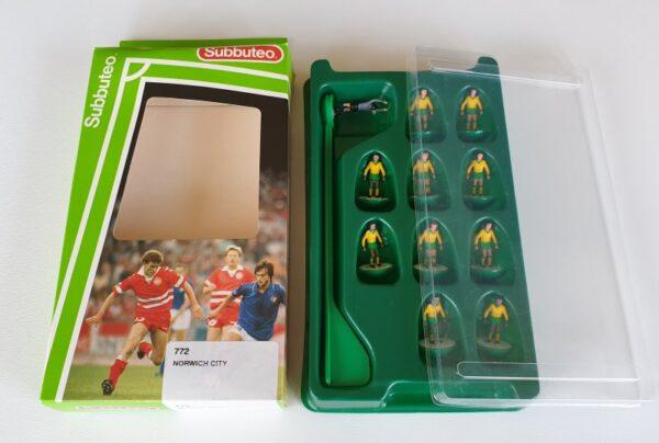 Vintage Subbuteo LW Team 772 Norwich City 1990's