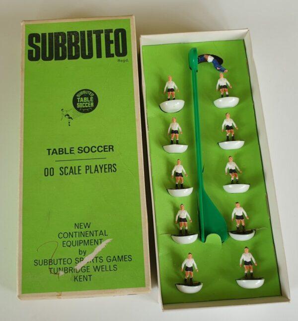 Vintage Subbuteo HW Team 10 Fulham Derby County 1970's
