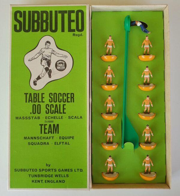 Vintage Subbuteo HW Team 13 Blackpool Holland 1970's